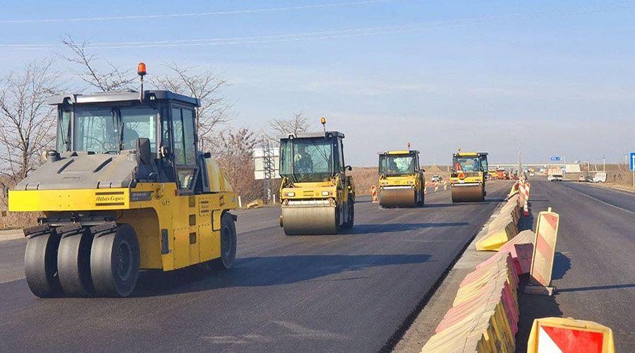 «ВАД» приступил к круглосуточной укладке верхнего слоя асфальта на дороге Симферополь – Джанкой