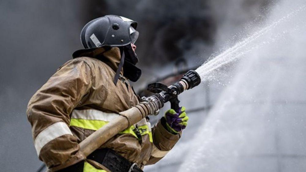 Сотрудники МЧС ликвидировали пожар в Водоканале под Севастополем