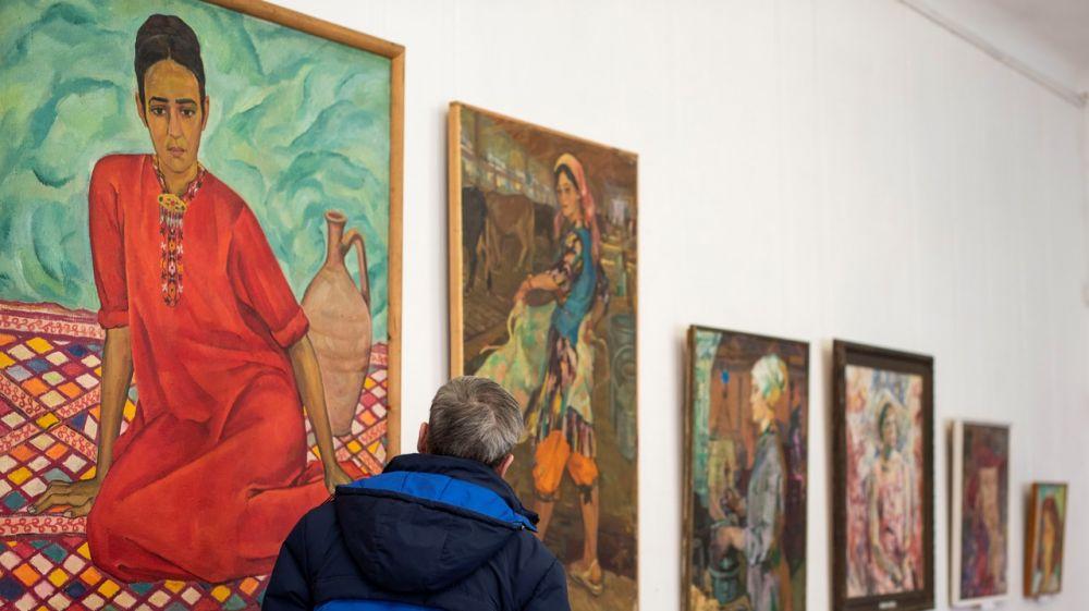 В художественном музее Симферополя открылась выставка «Женский портрет»