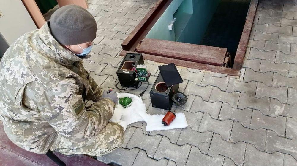 Украинцы тайно везли в Крым оборудование для корабельных систем навигации