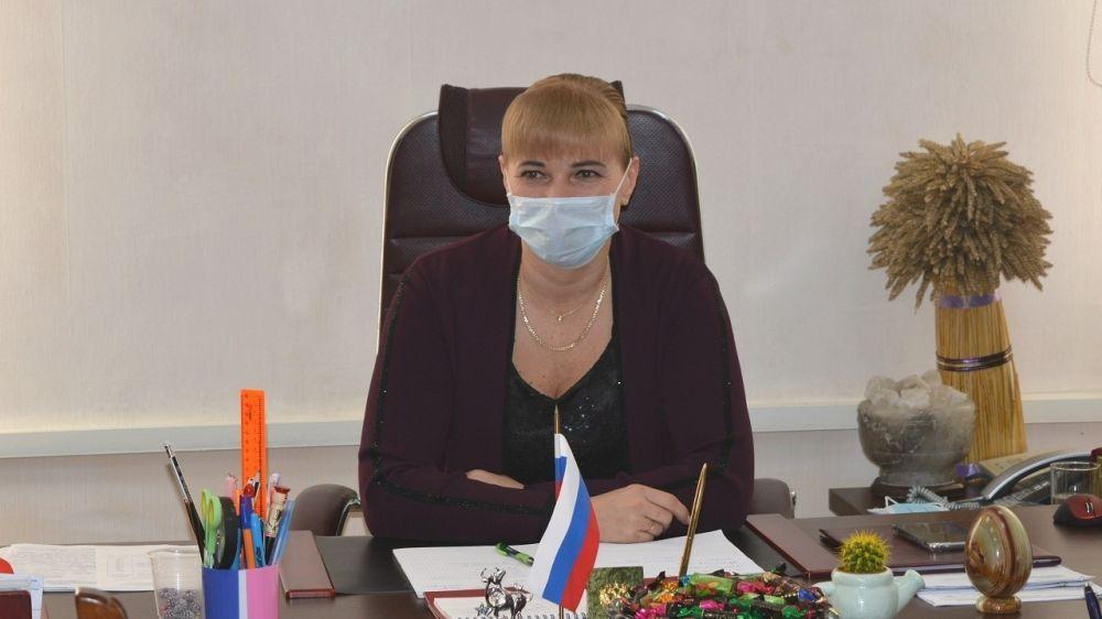 Елена Крестьянинова провела совещание по вопросам капремонта дорог муниципального значения