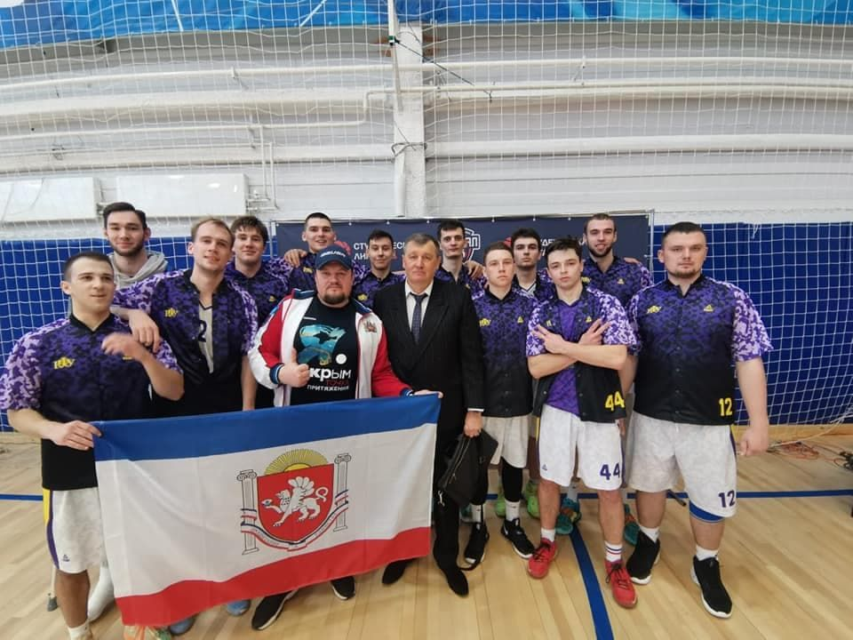 Крымские баскетболисты успешно завершили «Финал восьми»