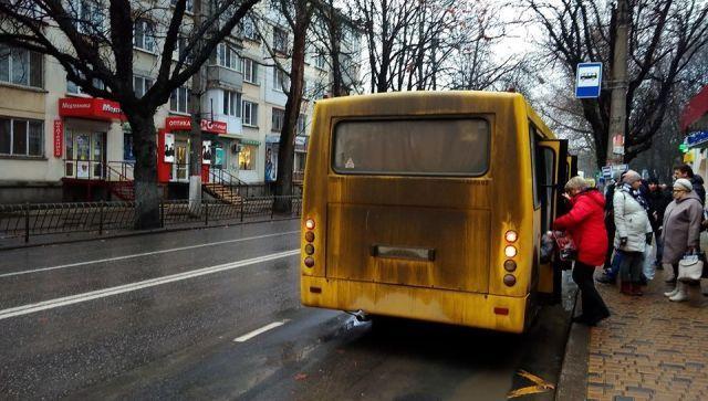С 7 марта в России запрещено высаживать из транспорта детей
