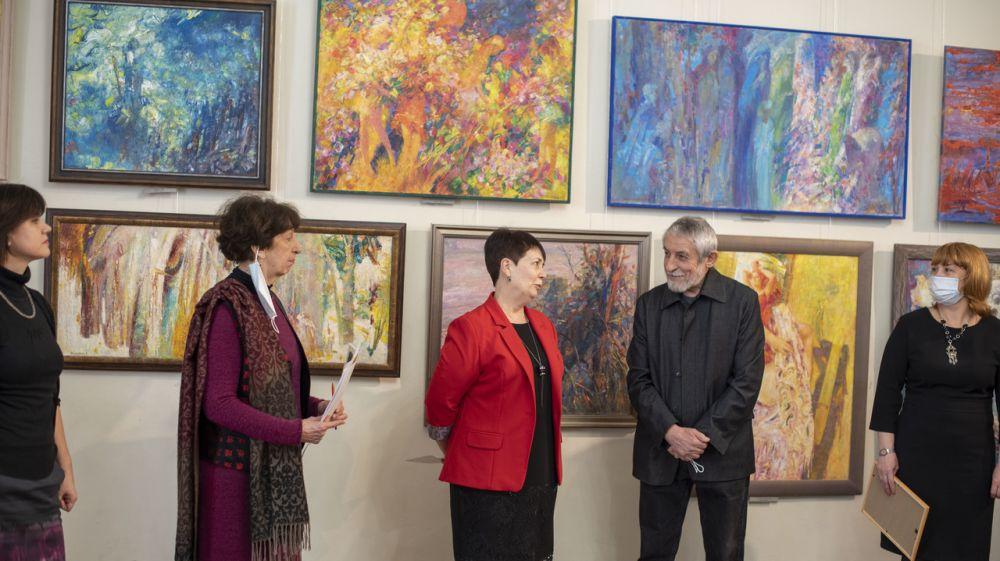 Открыта юбилейная выставка художника Александра Марьяхина