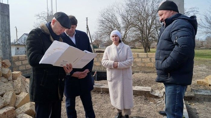 Владимир Трегуб совместно с председателем Госкомитета ветеринарии РК Валерием Ивановым посетили объекты строительства и благоустройства в Советском районе
