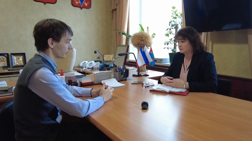 Питание школьников, экзамены -тема рабочей встречи Главы района