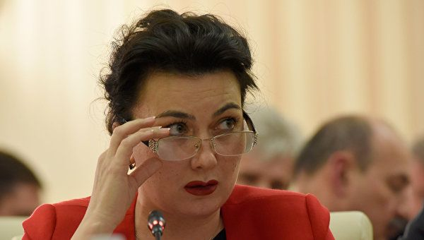 Аксенов поручил провести проверку из-за ругательств министра культуры