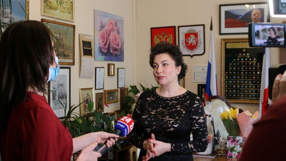 """Министр культуры Крыма извинилась за """"прачечную"""" в прямом эфире"""