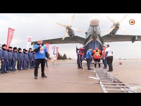 В Севастополе крымский силач установил рекорд России (СЮЖЕТ)