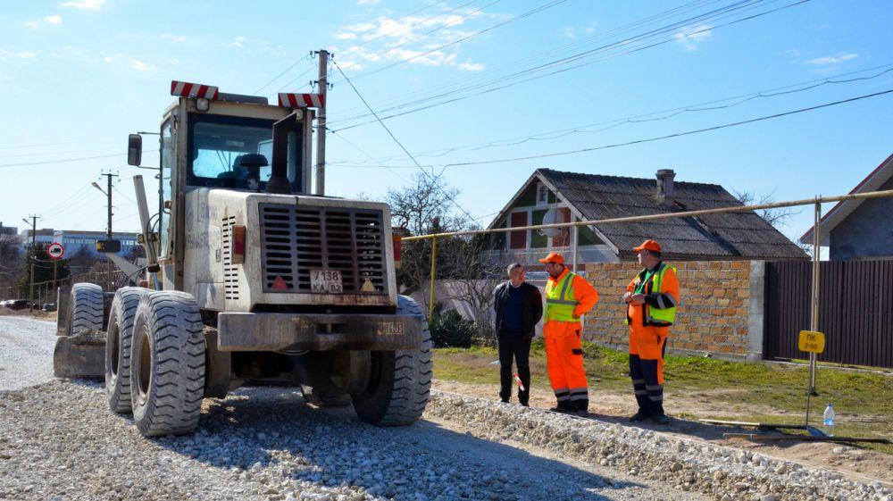 В Черноморском районе стартовал ремонт дорог