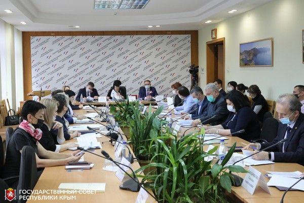Финансирование системы образования обсудили на заседании Комитета по бюджетно-финансовой, инвестиционной и налоговой политике