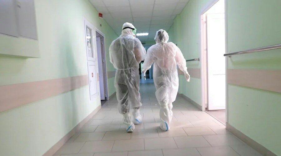 Профсоюз добивается ковидных выплат для уборщиц больниц