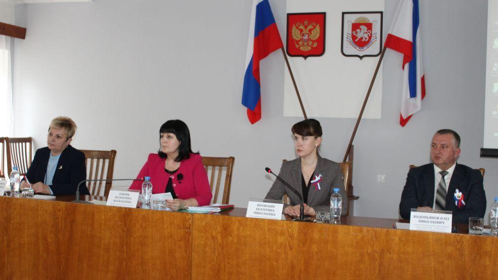В Ленинском районе прошло заседание выездного педагогического совета