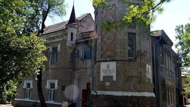 Музей «Чехов и Крым» на даче Омюр отметит свое 15-летие уникальной выставкой