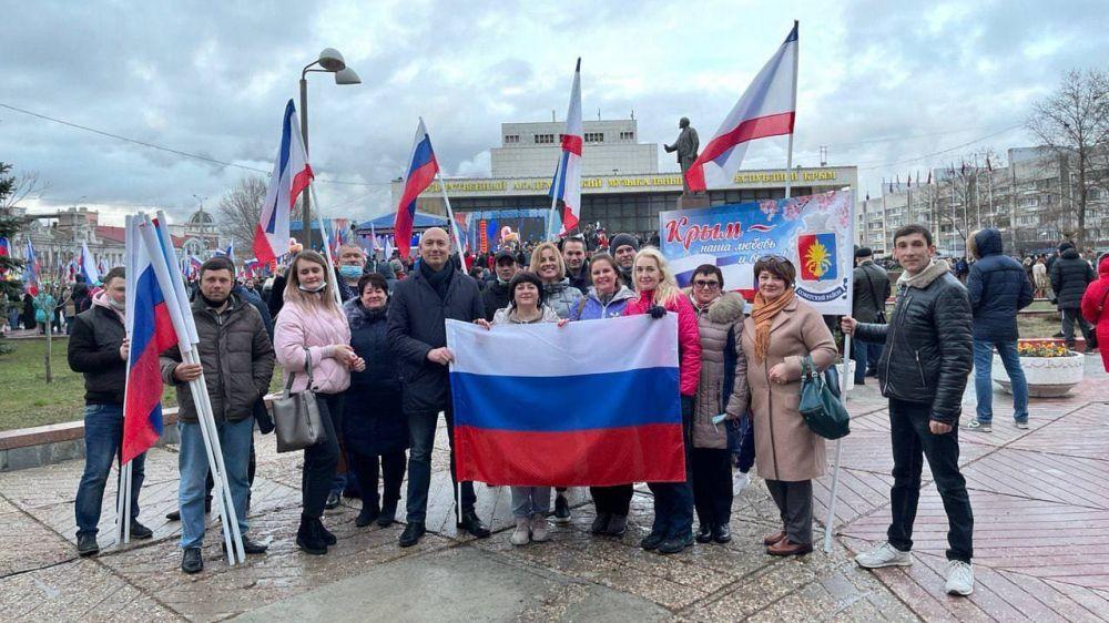 Руководители Советского района приняли участие в праздничном концерте ко Дню воссоединения Крыма с Россией на главной площади г.Симферополя