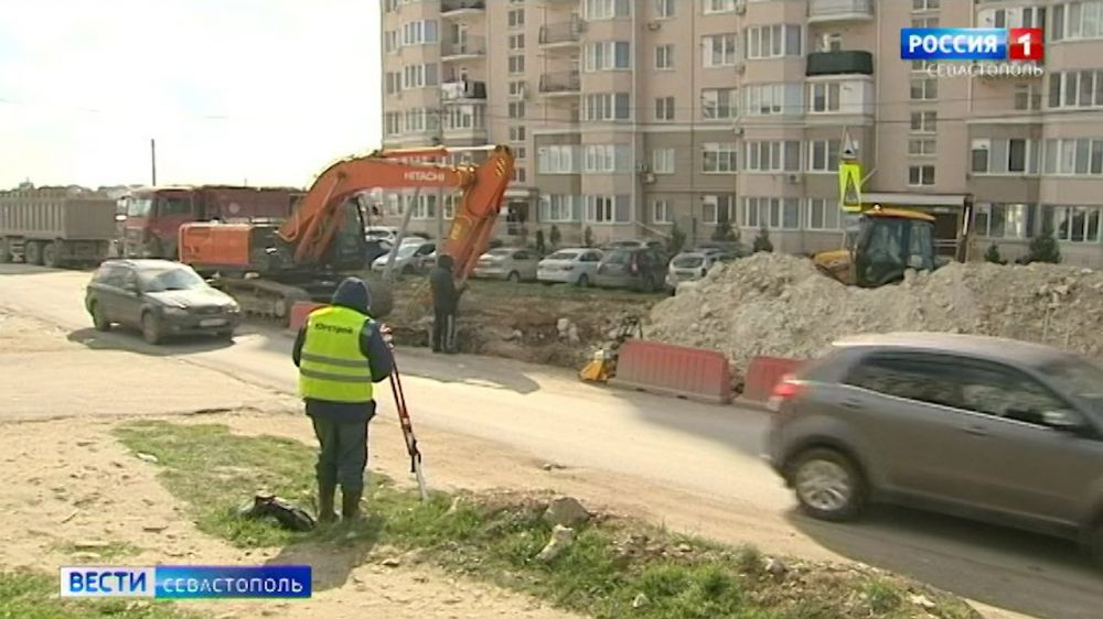 Жители дома на Шевченко в Севастополе против расширения дороги в микрорайоне