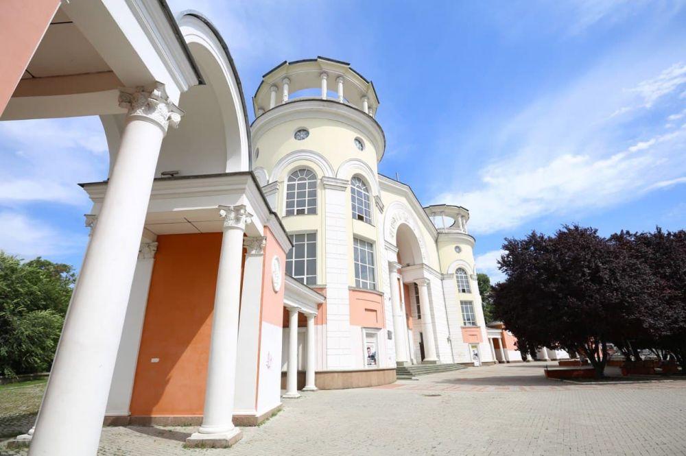 На охрану пустующего кинотеатра «Симферополь» потратят более 600 тыс. рублей