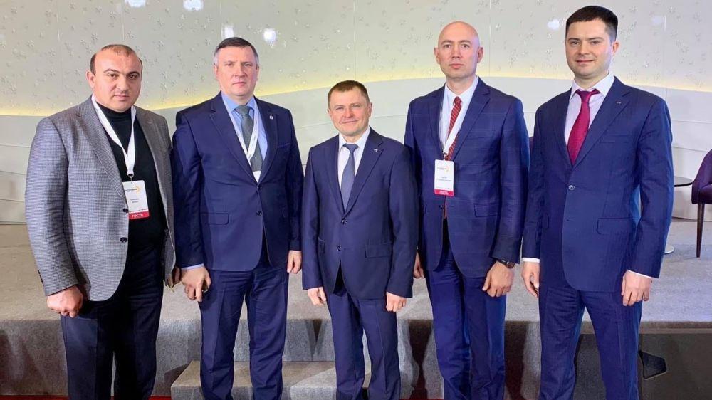 Дионис Алексанов приняли участие в бизнес-форуме «Достижение. Новое время»