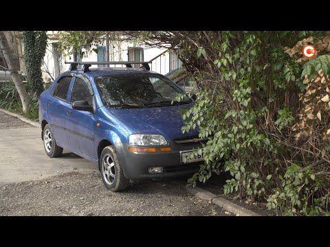 Жители улицы Ивана Голубца объявляют войну незаконным парковкам возле своих домов (СЮЖЕТ)