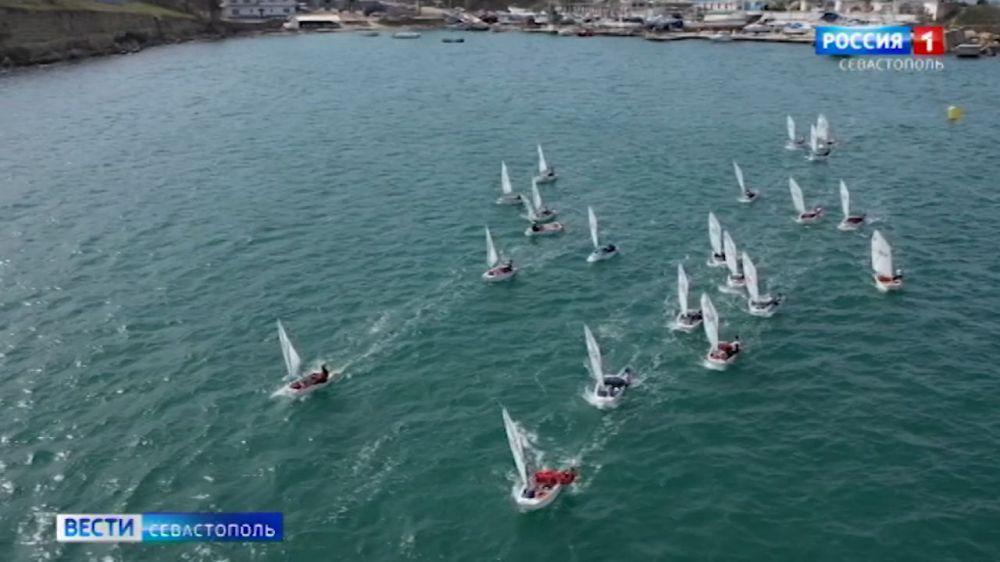 Почти 200 яхтсменов приехали в Севастополь для участия в регате