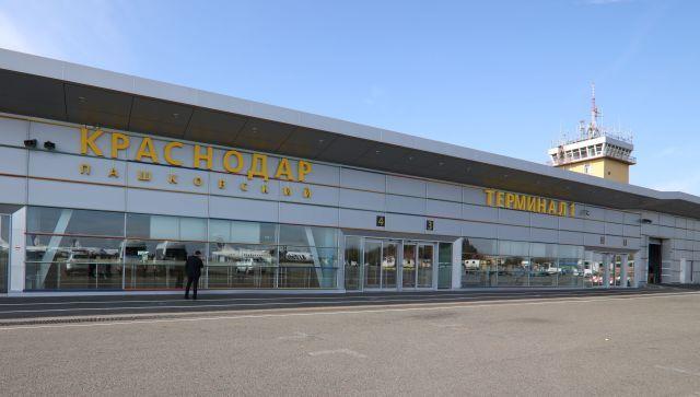 Самолет из Москвы готовится к аварийной посадке в Краснодаре