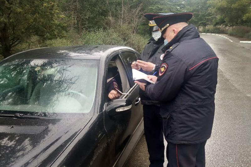 Сотрудники ялтинской полиции доказали: личный пример – лучший метод убеждения, особенно в профилактике ДТП