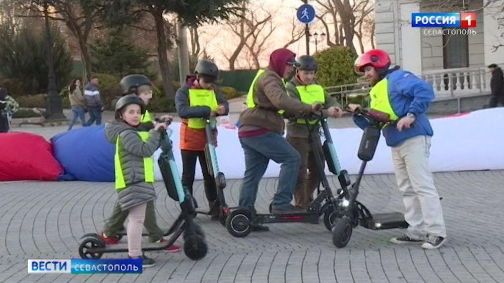 В Севастополе любители индивидуального электротранспорта открыли сезон