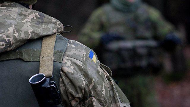 Киев стягивает войска к границе с Крымом и Донбассом