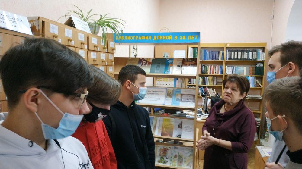 К 105-летию со дня рождения Героя Советского Союза Узеира Абдураманова в республиканской библиотеке проведено мероприятие