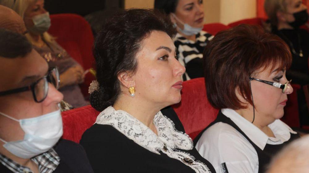 Арина Новосельская приняла участие в заседании сессии Керченского городского совета