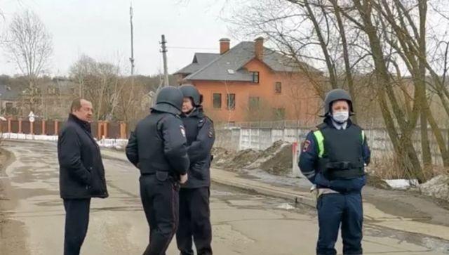 В Мытищах пенсионер открыл огонь по силовикам: что известно