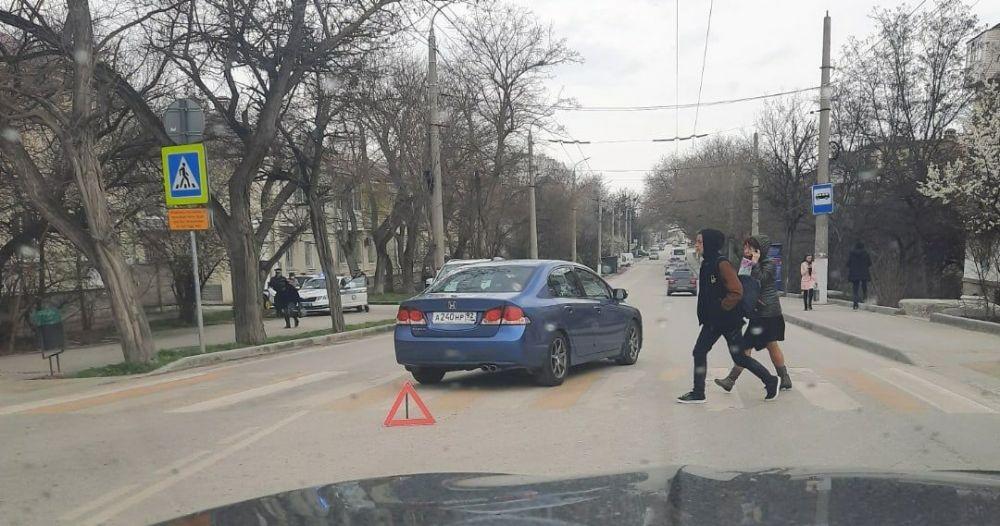 У пешеходного перехода на проспекте Гагарина в Севастополе сбили женщину