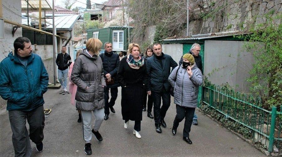 Глава администрации Ялты возмутилась уровнем благоустройства Гурзуфа