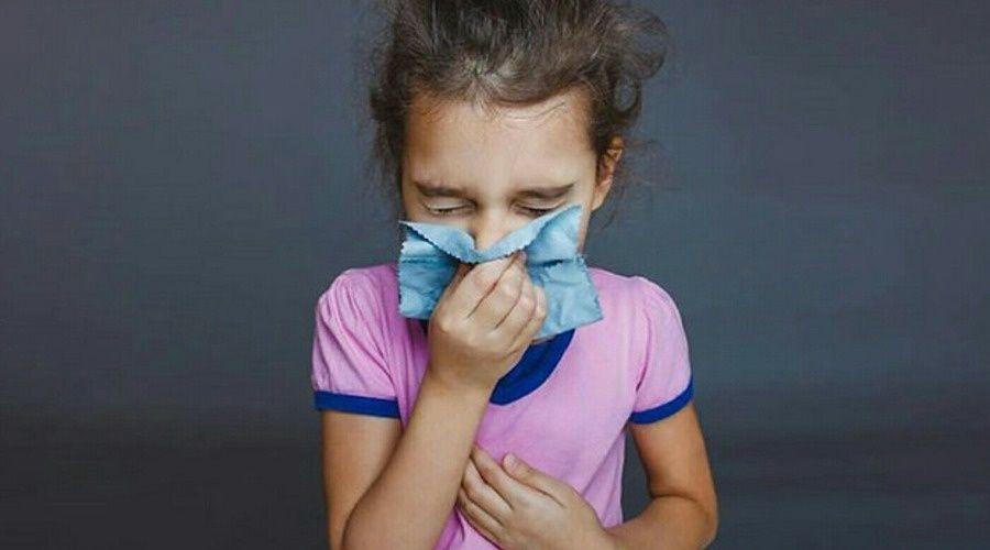 Врачи предупредили об аллергическом «ложном коронавирусе» у детей