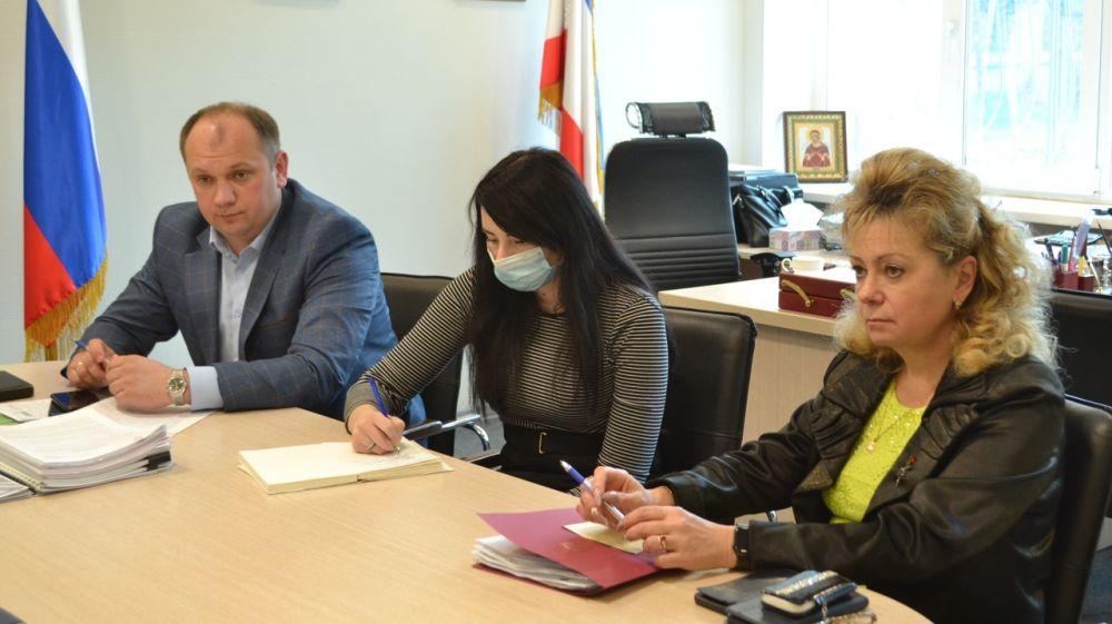 Светлана Маслова и Сергей Донец провели встречу с гражданами пгт.Гурзуф