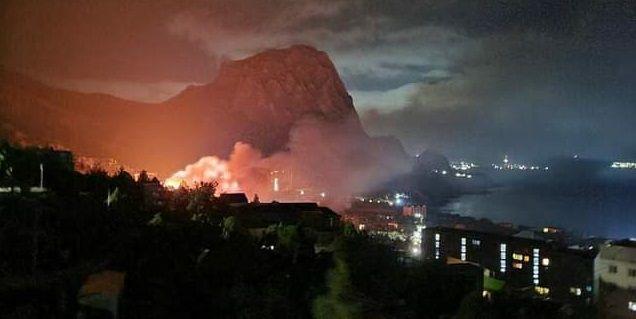 Пожар в крымском поселке Новый Свет: что известно