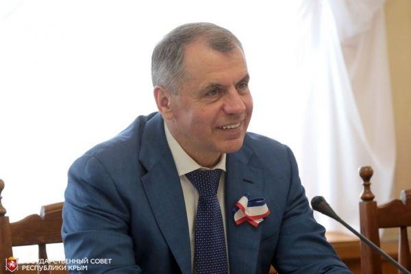 Глава крымского парламента Владимир Константинов встретился с членами Палаты молодых законодателей при Совете Федерации РФ