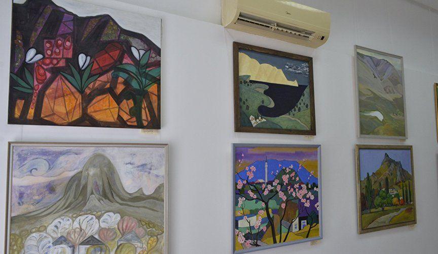 Пейзажи Крыма и Севера: новые выставки в Судакской крепости