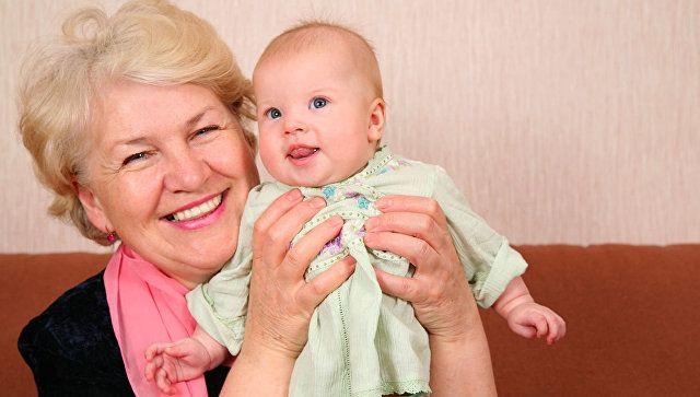 Певцов призвал отменить пенсионную реформу и вернуть бабушек внукам