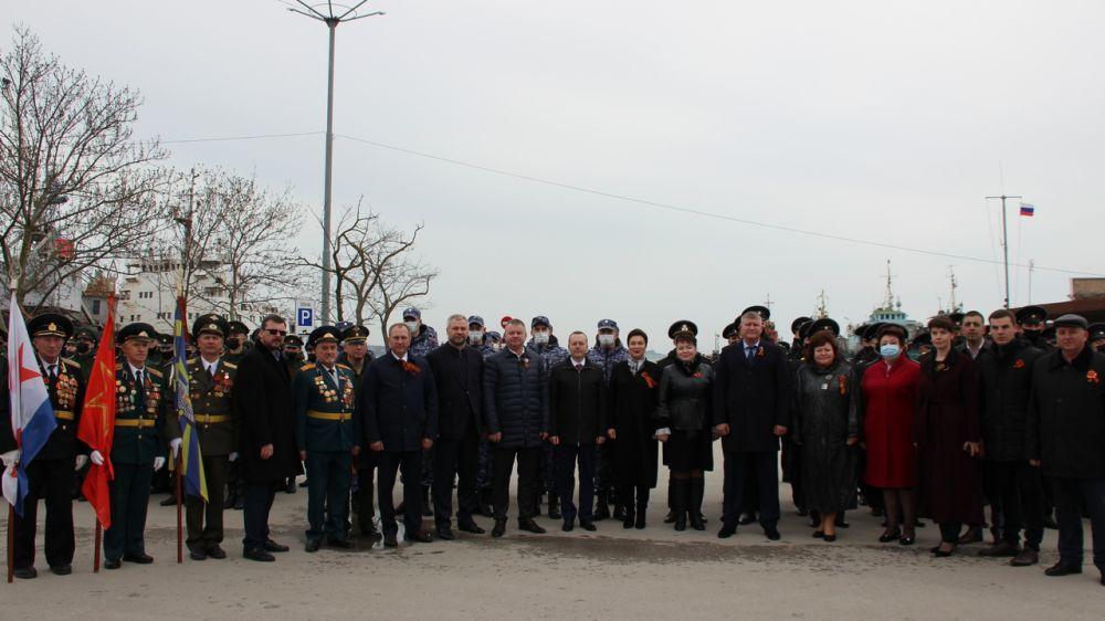 Арина Новосельская в Керчи приняла участие во Всероссийской патриотической акции «Выстрел памяти»