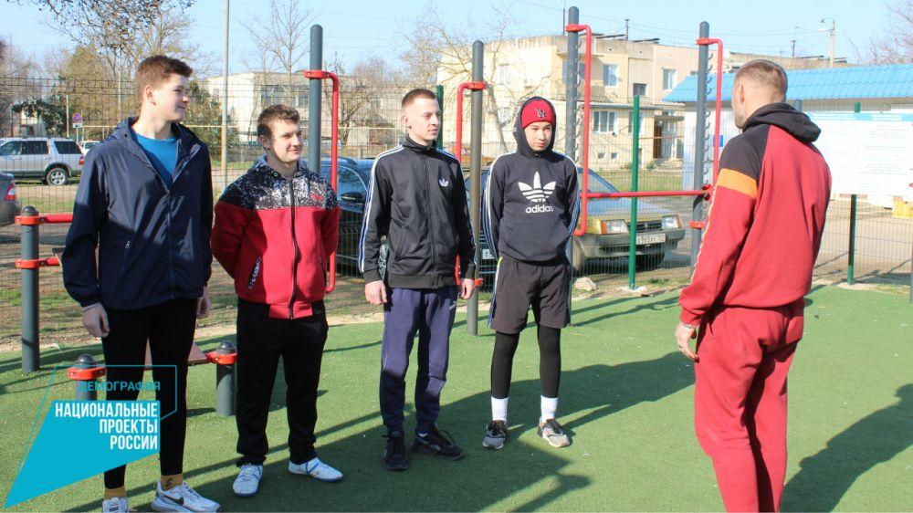 В муниципальных образованиях продолжаются физкультурные работы на спортивных площадках