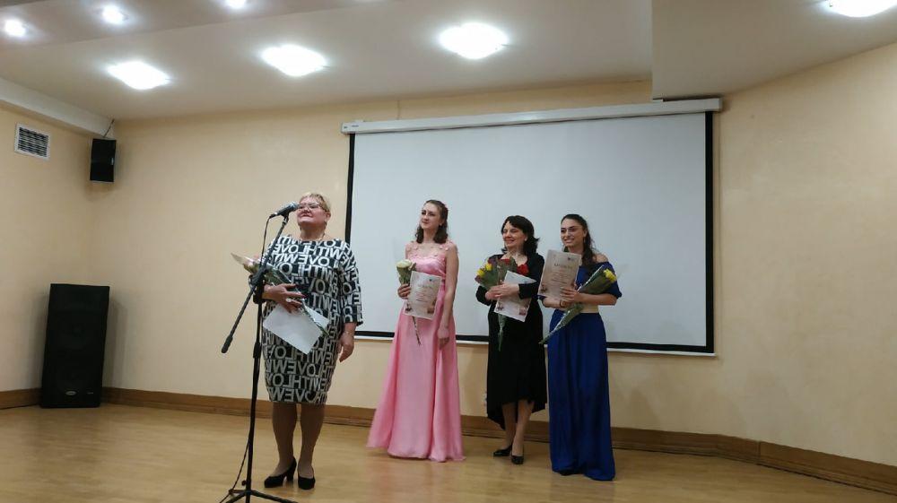 В Центральной библиотеке Крыма прошел музыкально-поэтический вечер