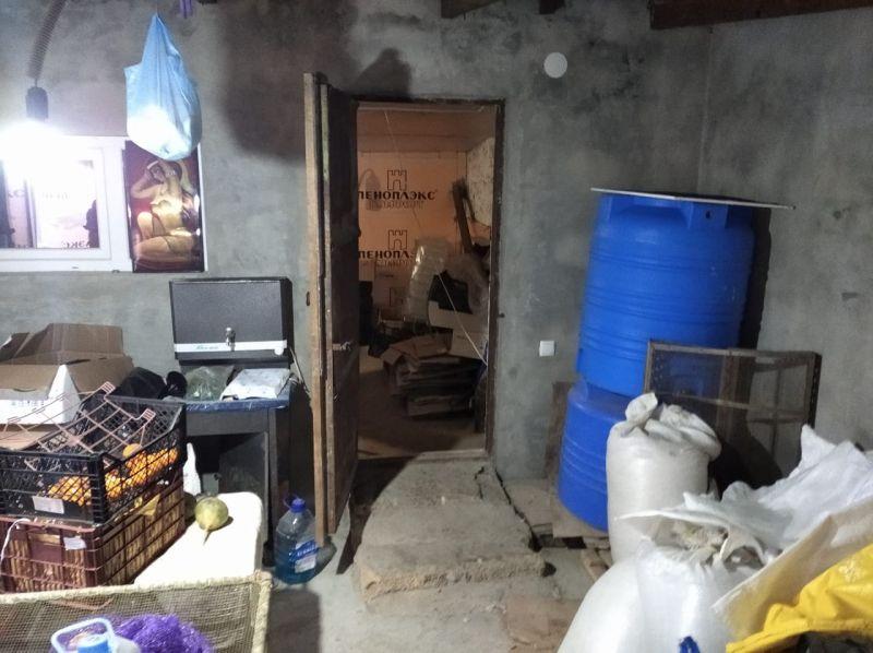 Сотрудники полиции в Евпатории изъяли около 2 тонн спиртосодержащих жидкостей, не отвечающих требованиям безопасности