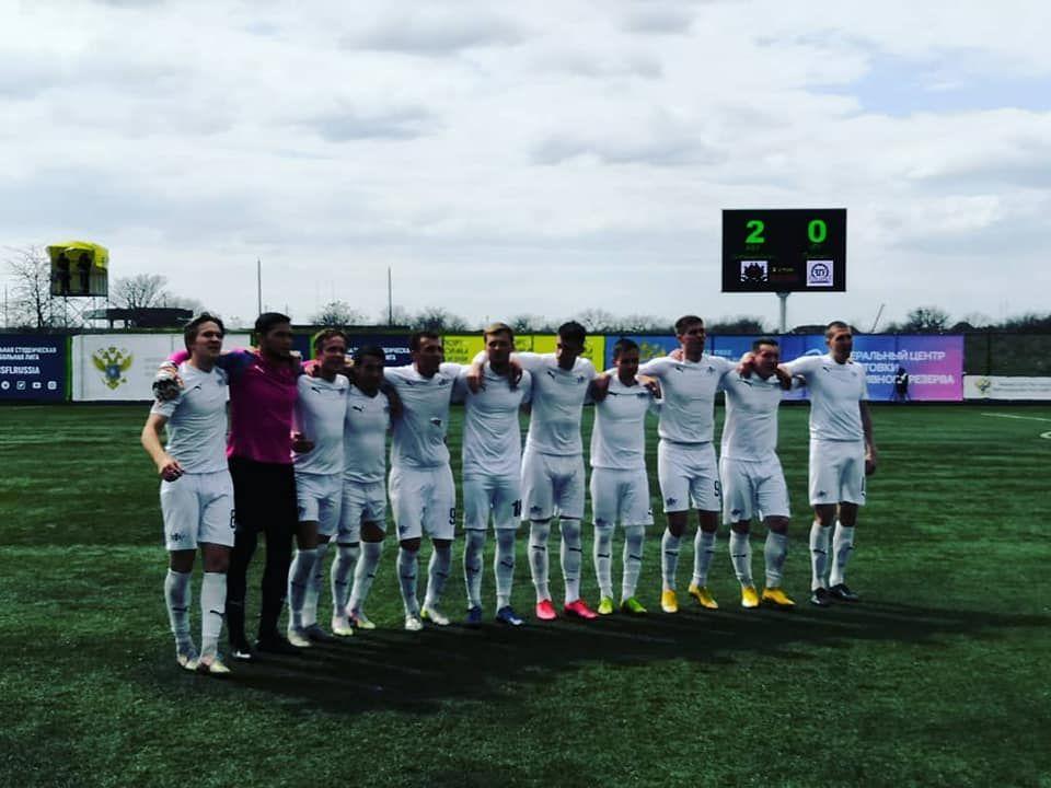 Крымские футболисты возглавили чемпионскую гонку