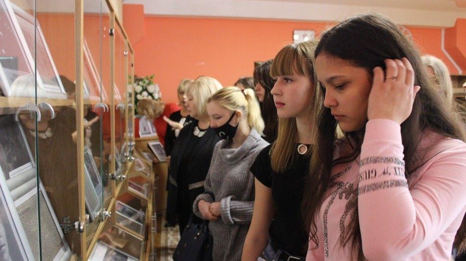 Открылась выставка, посвященная 77-й годовщине освобождения Крыма от немецко-фашистских захватчиков