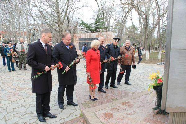 Алексей Черняк принял участие в мероприятиях, посвященных 77-й годовщине освобождения Феодосии