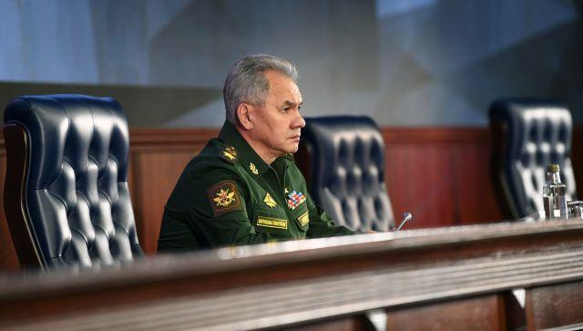 Шойгу сообщил о стягивании войск США и НАТО к границам России