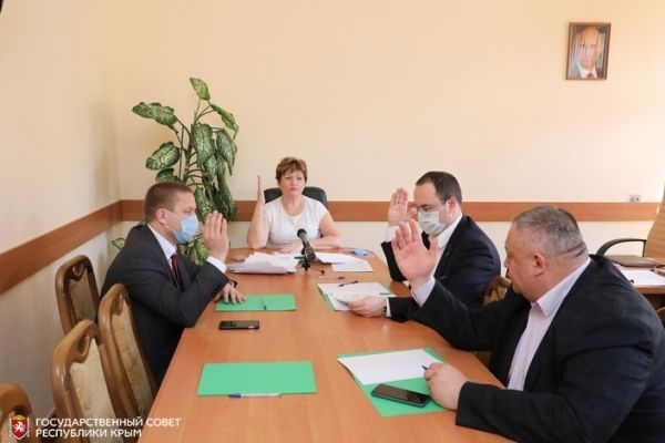 Госсовет Крыма согласовал передачу в муниципальную собственность г. Керчь и Ленинского района 127 квартир для переселения граждан из аварийного жилья