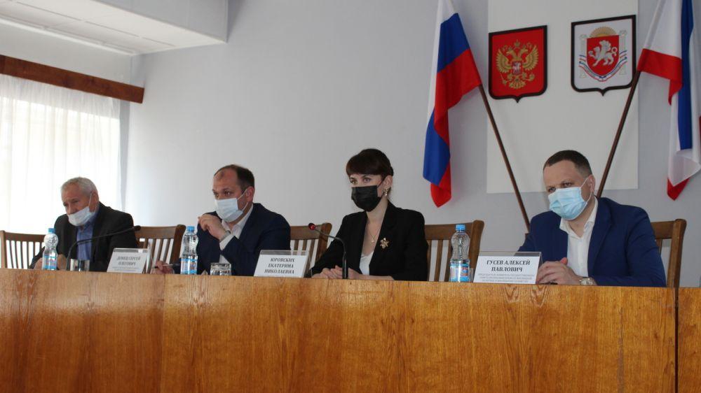 Министр ЖКХ Сергей Донец с рабочим визитом посетил Ленинский район