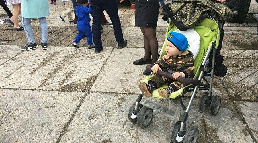 Общественник поддержал идею предоставлять отцам оплачиваемые отпуска после рождения ребёнка
